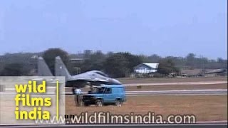 HAL Tejas and Russian Knights display at Aero India Show
