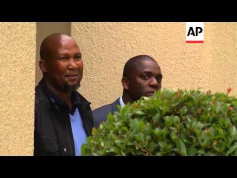 Grandson Mandla Mandela visits Mandela's house as SAfricans pay tribute outside