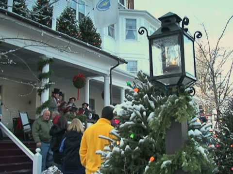 New England Town Brings Rockwell's Christmas to Life