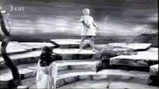 James King as Apollo in Daphne
