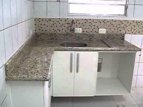 Instala o de pia e balc o em pedra santa cec lia youtube for Granito santa cecilia