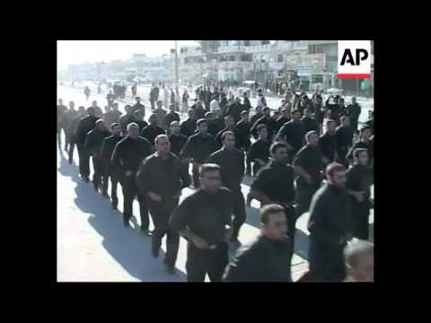 Show of force by Mahdi army on anniversary of a Shiite leader's death