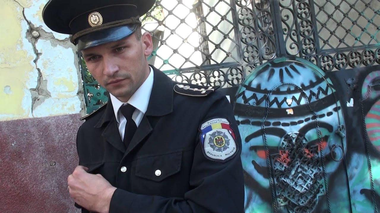 Polițiștii găgăuzi aduși în Chișinău nu înțeleg ce-i întrebi. Ei o să ne apere?