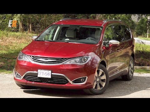 2018 Chrysler Pacifica Hybrid Real World Review - We Need One