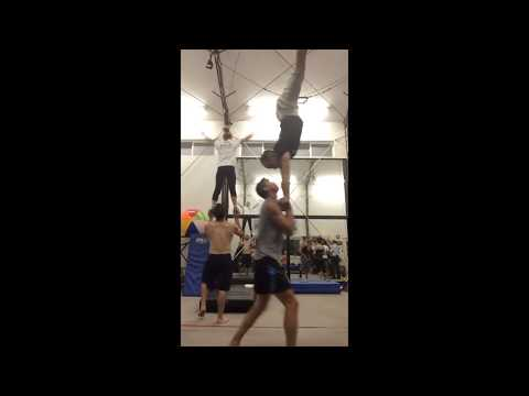 Acrobat Tari Mannello Dirty Bass Sports Acro / AcroYoga Expert