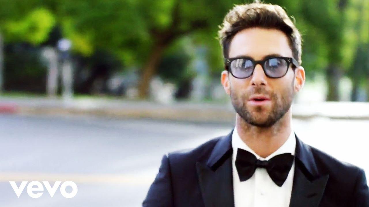 Maroon 5 - Sugar (Official Music Video)