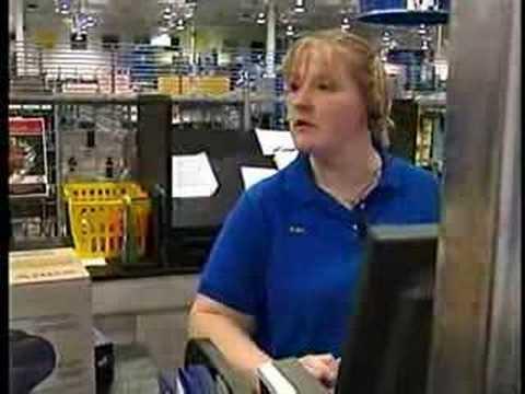 Retailers looking for seasonal employees