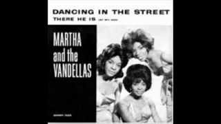 Watch Martha Reeves  The Vandellas There He Is at My Door video
