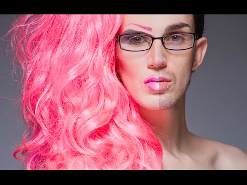 Crawford Collins - This drag queen can transform into any ...