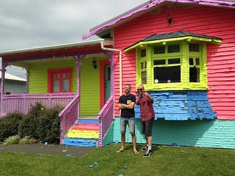 Thumbnail: House covered in Post-it notes | Jono and Ben at Ten