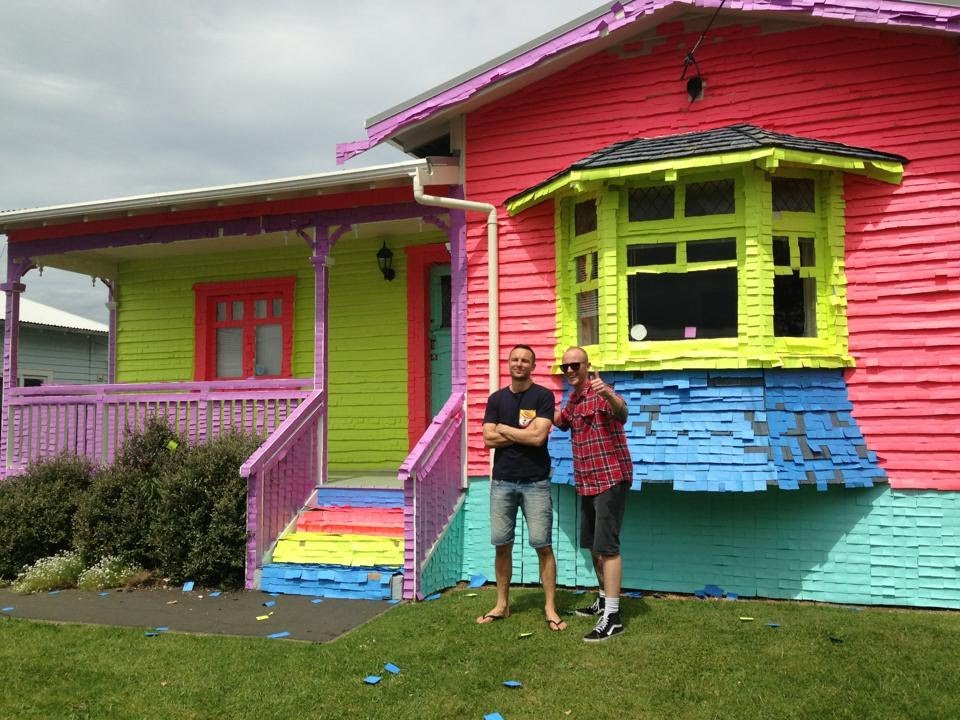House covered in Post-it notes | Jono and Ben at Ten - YouTube