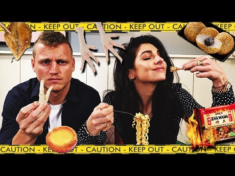 Seksverhalen delen en kippenpoten eten met Kaj Gorgels - Extreme Mukbang 1 - Anna Nooshin