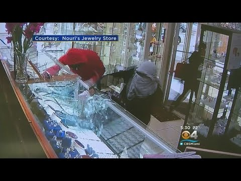 Pricey Heist Lasts 34 Seconds, Ends With $200K Jewelry Stolen