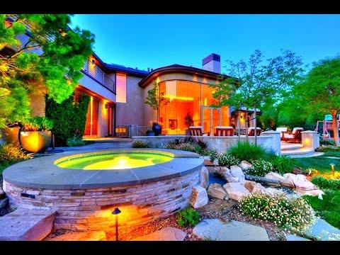 modern-and-futuristic-interior-design-house