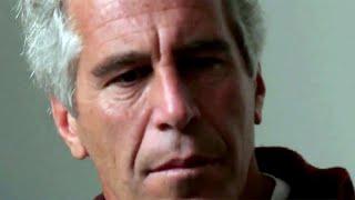 В Америке набирает обороты скандал вокруг неожиданной смерти в тюремной камере Джеффри Эпштейна.