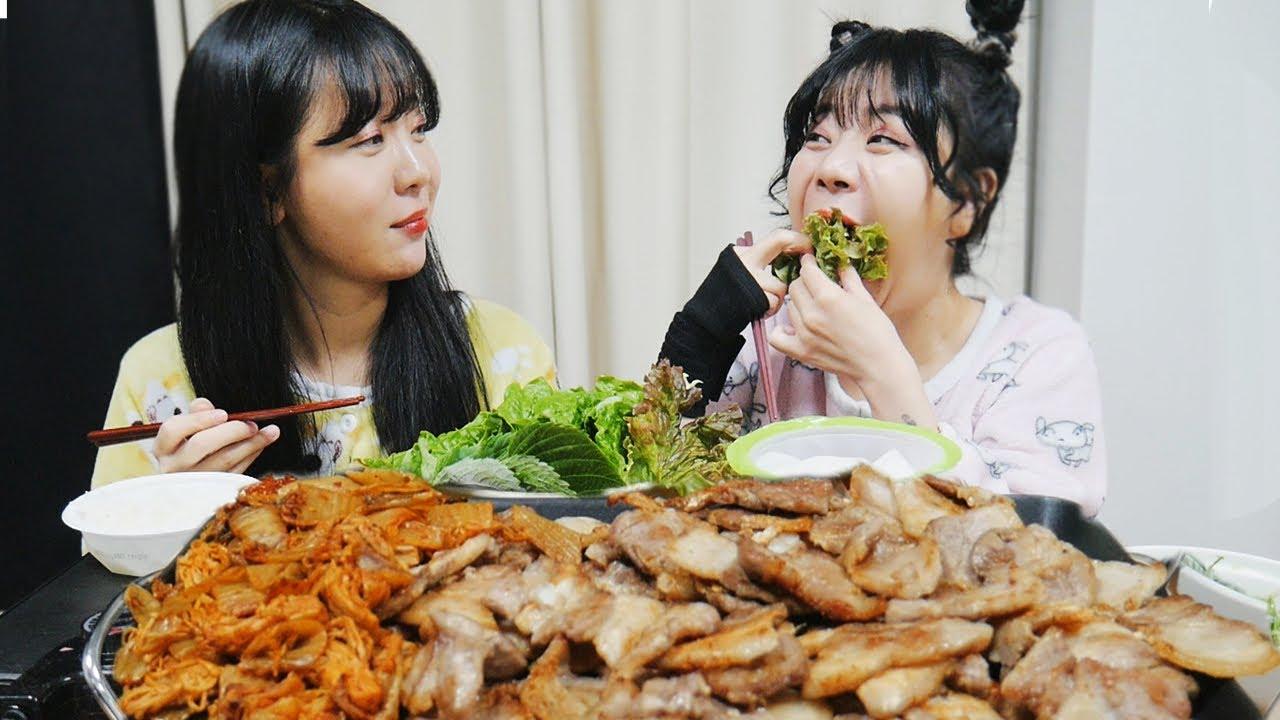 SUB)1분 먼저 태어난 쌍둥이 언니랑 삼겹살 먹방 TWINS MUKBANG