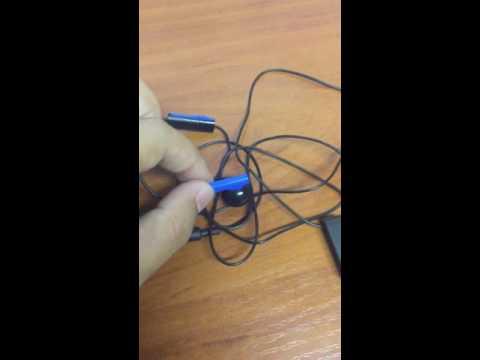 Наушники от Sony PlayStation 4 в комплекте почему одну ухо?