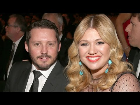 Kelly Clarkson Posts Cute Pic of Newborn Son, Thanks 'Sexy' Husband for Being a 'Great Dad'