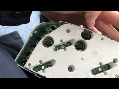 1999-2004 Jeep Grand Cherokee Instrument Cluster Removal