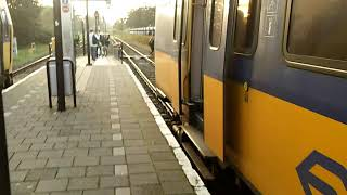 Going out of ICMm 4024 + 4085 @ Railroad Station Bovenkarspel-Grootebroek