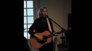Leonie Meijer live in de Sint-Jacobskapel, Nijmegen