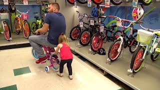 Toys R Us Crash! Funny Dad Fail on a Bike & Dunk Hat Family Fun by KIDCITY