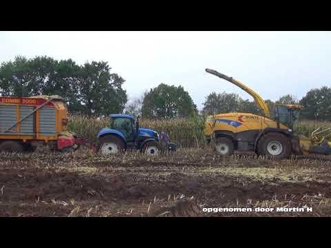 mais hakselen door Bunte HEERDE in de modder, NEW HOLLANDER FR 9050