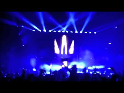 Tiesto Playing Intro Chants (Triarchy's Festival Edit) Live In Orlando
