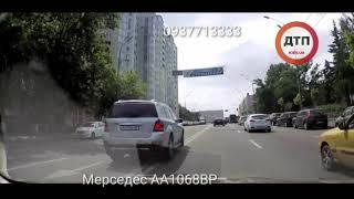 Видео,, как ездит по дорогам общего пользования наш  герой 93 года на #Мерседес #АА1068ВР  Снято в К