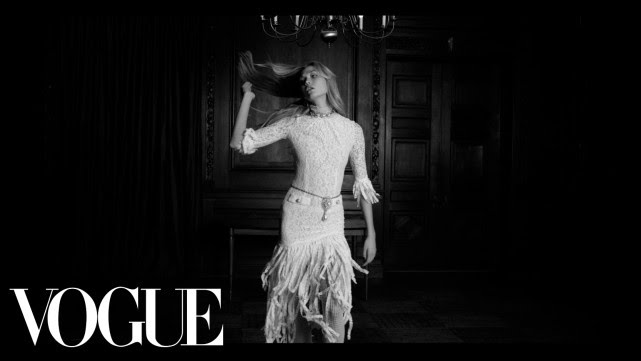 You Better Work. Karlie Kloss and the Little White Dress - Vogue