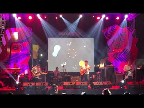 Rendy Pandugo - Silver Rain Live at We The Fest 2017