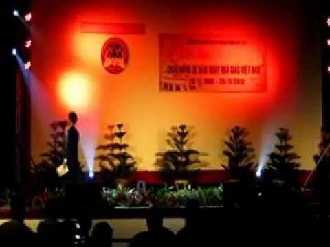 Van nghe 20/11 - Lop 12 Ly THPT Chuyen Thang Long - Da Lat (2010-2013)