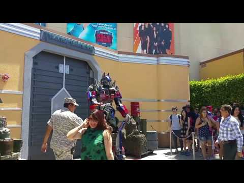 Optimus Prime the comedian at Universal Studios Hollywood