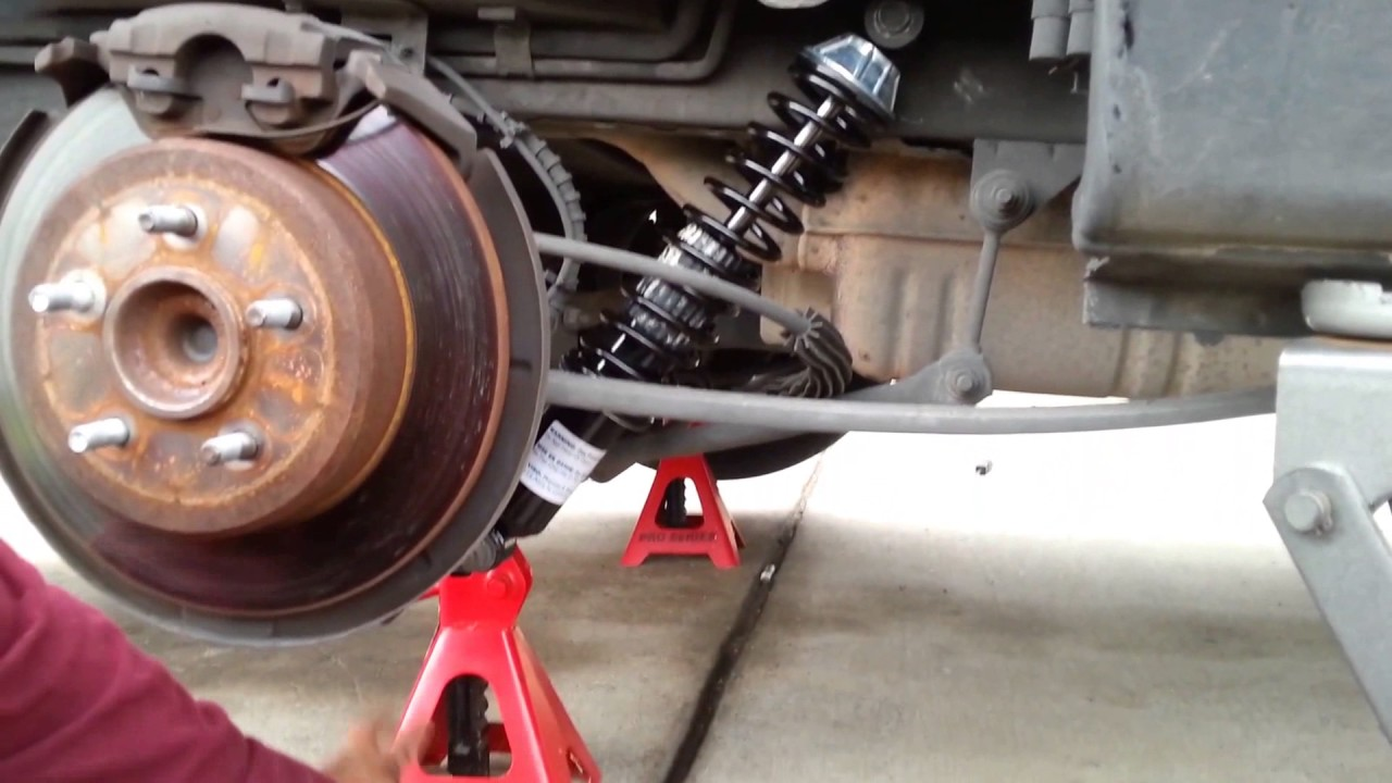 Installing Rear Shocks For 2005 Town Country