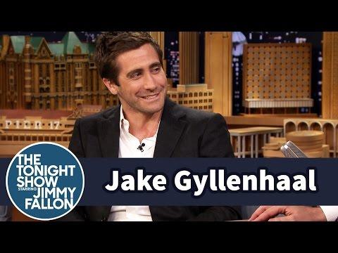 Jake Gyllenhaal Critiques His Sisters Performances