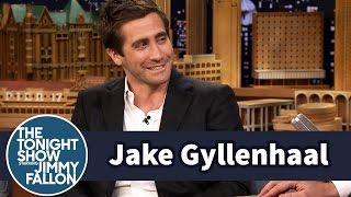 Jake Gyllenhaal Critiques His Sister