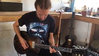 Gambar cover Wide Sky Guitars - Ryan Beckwith demoing the P90 version of the P125