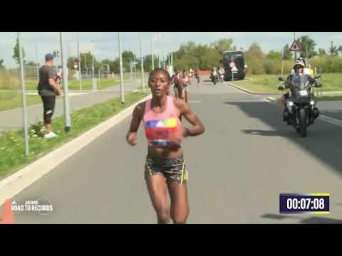 W 5km Road Race - Senbere Teferi (Ethiopia) - 14:29 - Herzogenaurach (Germany) - 2021 - World Record