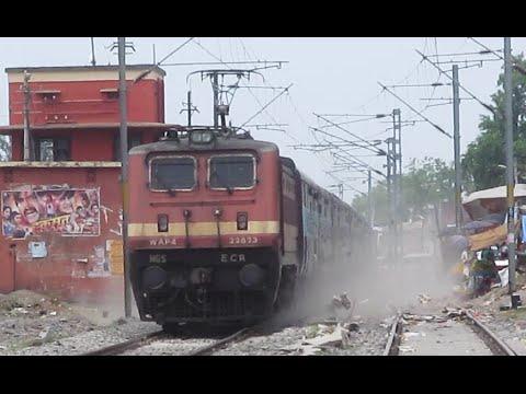 Dust Raising High Speed WAP4 : 12331 Himgiri Express !!