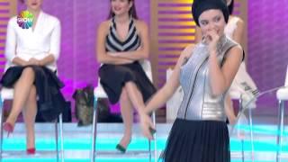Aygün Aydın'dan Hint dansı