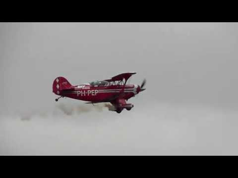 PH-PEP, Pitts S2.B Special demo at Teuge Airport (Wings Wheels and Goggles)