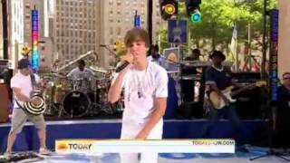 Justin Bieber - Never Say Never [Live on the Today Show]