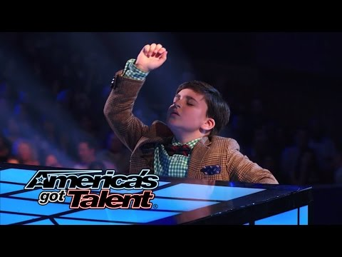 "Adrian Romoff: Kid Pianist Plays Chopsticks and ""Eine Kleine Nachtmusik"" - America's Got Talent 2014"