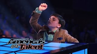 "Adrian Romoff: Kid Pianist Plays Chopsticks and ""Eine Kleine Nachtmusik"" - America"