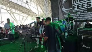 Kisah Kita Cover BatasparkiR Live @Gresik Melodic Fest II