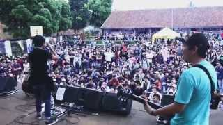 Rocket Rockers - Bersama Taklukan Dunia (Live at SMA 1 Megamendung Bogor)