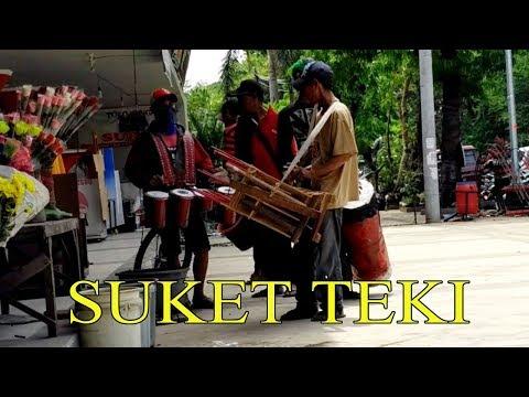 SUKET TEKI - Musik Angklung Semarang Terbaru (Pengamen Kreatif Semarang) Nella Kharisma