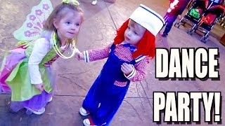 TODDLER COSTUME DANCE PARTY!