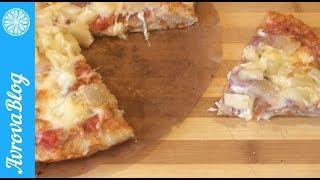 Гавайская пицца с беконом и ананасом (бекон можно заменить на ветчину)