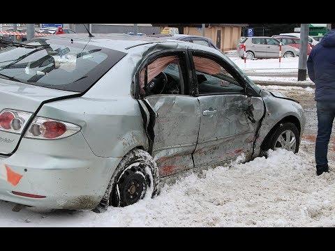 """SANOK: Wypadek na skrzyżowaniu """"bez świateł"""". Trzy osoby ranne (FILM, ZDJĘCIA)"""